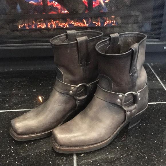 d3fc28e6c88 PRICE DROP ⬇️Frye Harness 8R Women's Boots